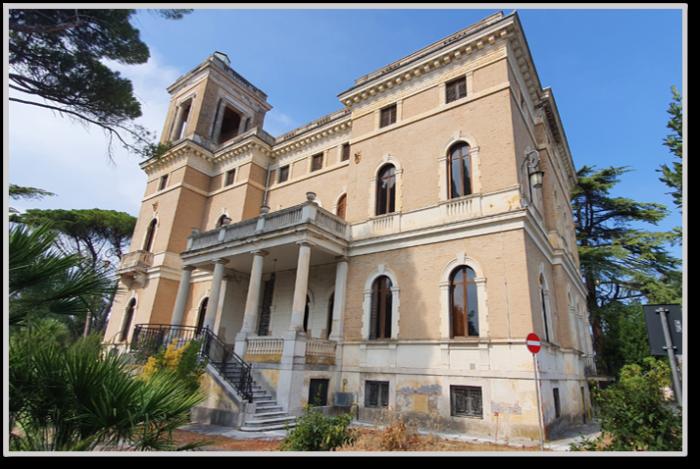 Loreto (AN) – Villa «Bonci» ed aliquote pertinenziali